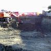 Sradicamento ceppi con escavatore e riporto terra per area nuova adibita a giardino