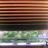 N 2 tende da sole a molla con braccetti su ringhiera balcone
