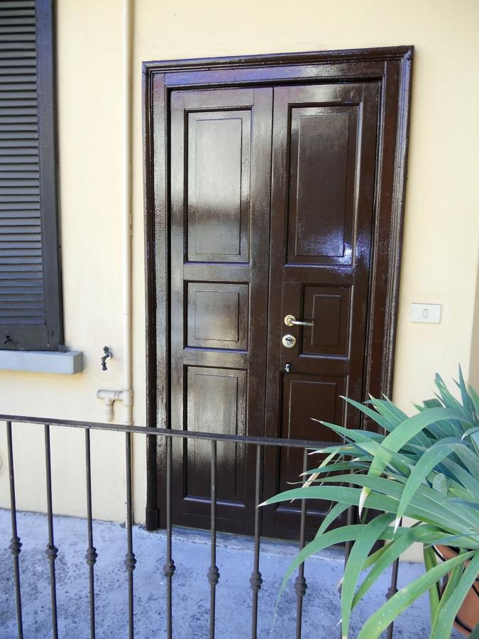 Porta blindata artigianale vecchia milano offerte for Offerte infissi