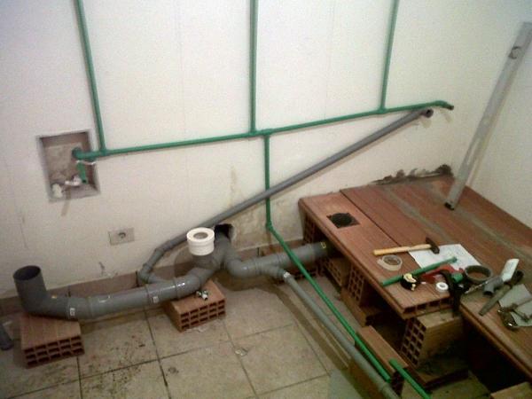 Impianto di scarico per bagno gruppo casolari costruzioni