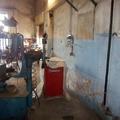 Ripristino dei muri e tinteggiatura officina