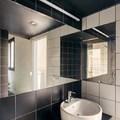 Foto piastrelle bianche con fughe nere di rossella for Piastrelle bagno bianche e nere