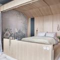 Camera con letto a baldacchino su progetto