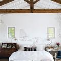 camera da letto in casa in campagna