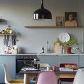 Cucina pastello con tocchi vintage