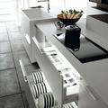 Illuminazione all'interno dei mobili della cucina