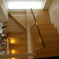 Nuova scala in legno parapetti in cristallo.