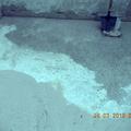 Pavimentazione parzialmente sabbiata per raggiungere il supporto originario
