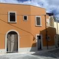 Ristrtturazione locale commerciale ed abitazione