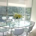tavolo di vetro e metallo
