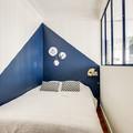 Tinteggiature camera da letto con motivi geometrici