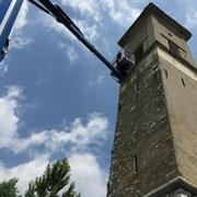 Allontanamento volatili molesti da torre campanaria millenaria