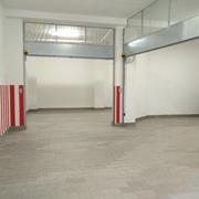 Distributori Dolomite - divisione di un grande garage in n°4 Box