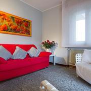 Area relax con divano e poltrone