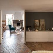 Cemento a vista negli interni idee costruzione case for Arredamento di design low cost