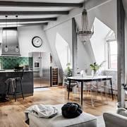 Attico con cucina a vista