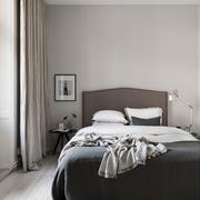 Camera da letto semplice ed elegante