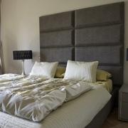 Camera da letto, testata progettata