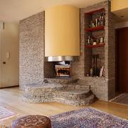 Camino in pietra con libreria e seduta