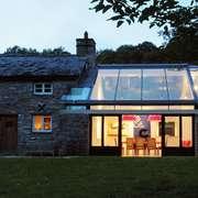 casa con tetto in vetro
