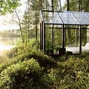 Casa in vetro sul lago