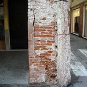 Cedimento strutturale pilastro