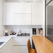Cucina bianca su misura - Arch. Francesco Colorni,Elena Tirinnanzi-Foto Giulio Boem
