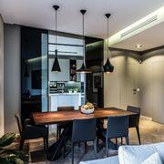 Cucina con porta in vetro