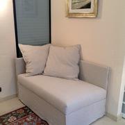 comodo divano letto con maxi cuscino e rivestimento in fresco lino 100%