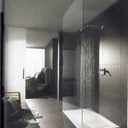 doccia spaziosa