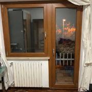 finestra a bandiera effetto legno