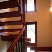 Particolare della scala in legno di marca Rintal
