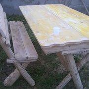 panca e tavolo per giardino