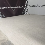 pavimentazione showroom audi