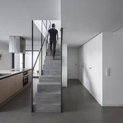 10 rivestimenti per la parete antischizzo della cucina for Scale rivestite in resina