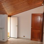 Rivestimento interno in legno;
