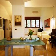 Zona pranzo e soggiorno