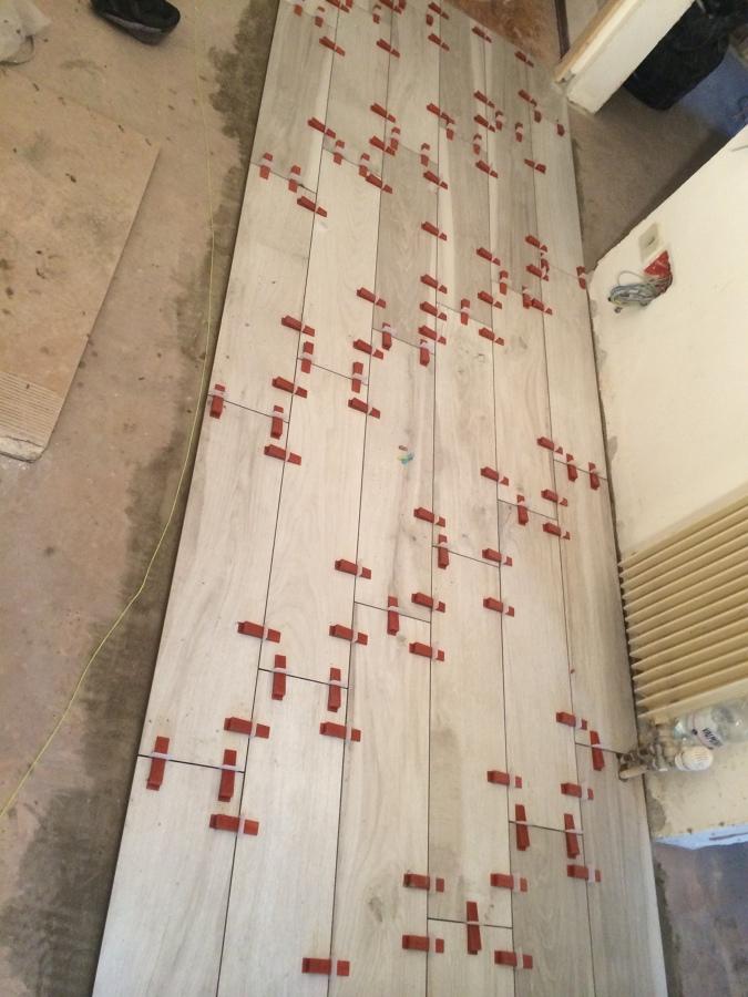 Posa pavimento idee ristrutturazione casa - Posa piastrelle su piastrelle ...
