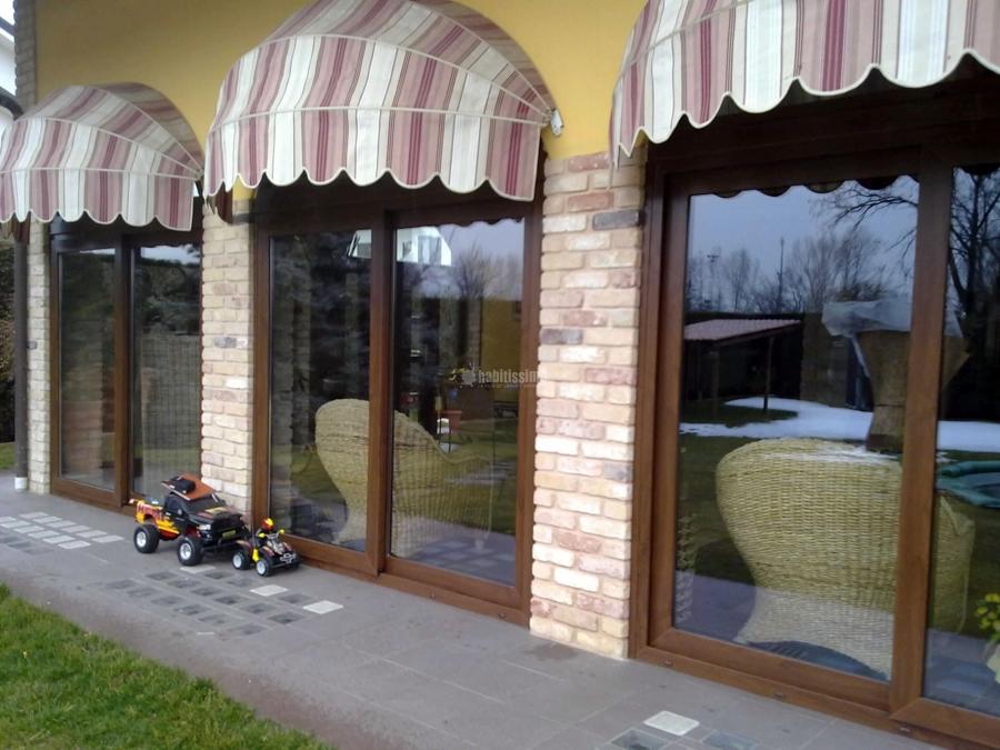 Foto chiusura porticato con porte scorrevoli e centine de for Porte scorrevoli pvc