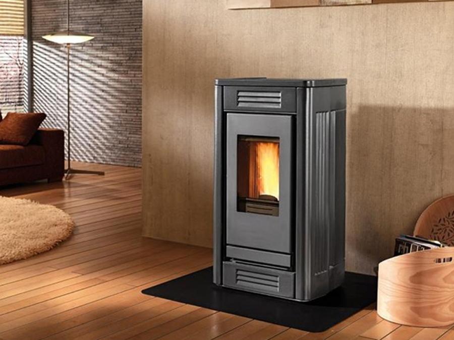 Idee d 39 arredo stufe a pellet per riscaldare ed arredare casa idee interior designer - Stufe a pellet classiche ...