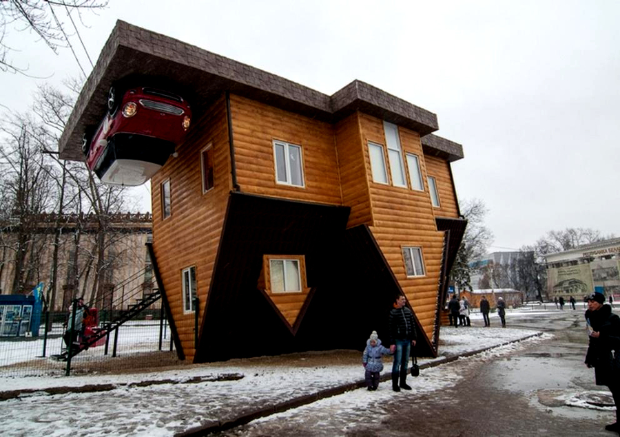 Abiteresti su uno scoglio una cascata o in una casa al for Stima sulla costruzione di una casa con 3 camere da letto