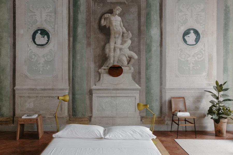 Affreschi in un palazzo storico fiorentino