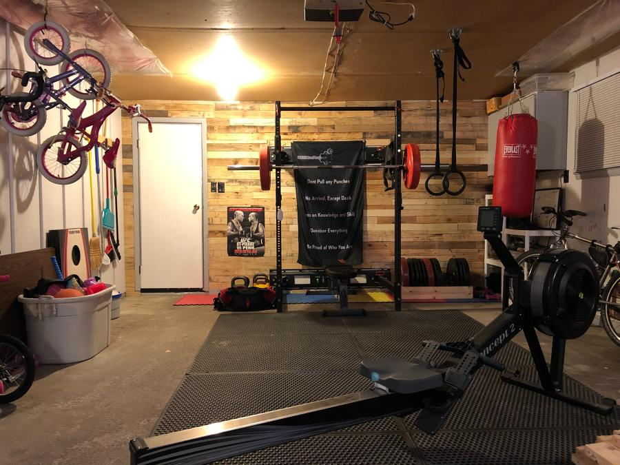 Allestimento palestra in garage