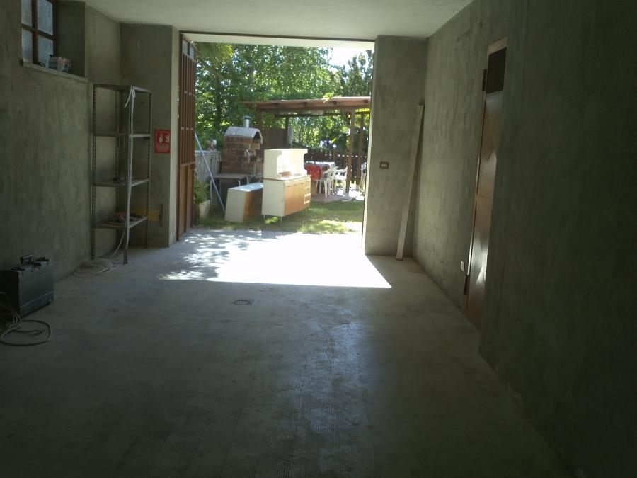 Trasformazione di garage in piccolo alloggio con modifica for Piccolo creatore della pianta della casa