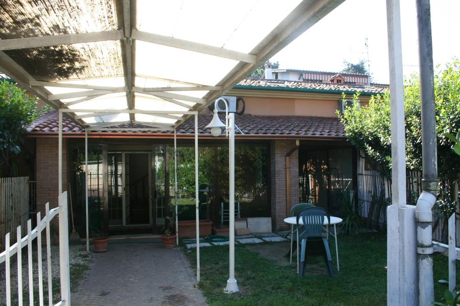 Ante opera - giardino, pensilina e ingresso