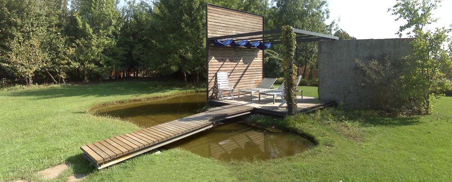 Area solarium con laghetto