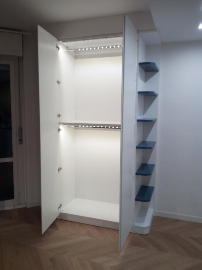 armadio con illuminazione