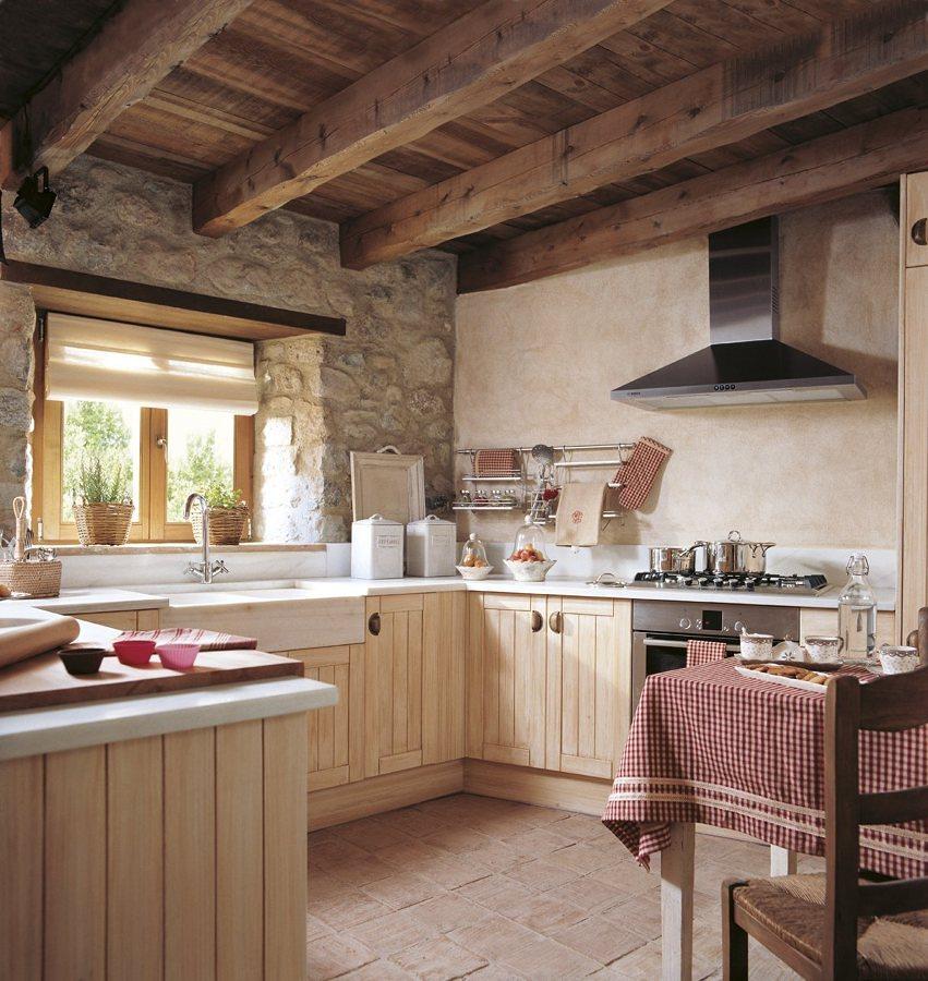 arredamento cucina in casa rurale