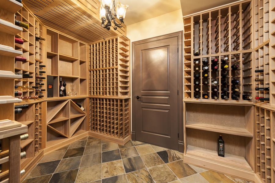 Foto arredo cantina vino legno di claudia loiacono for Arredo italia