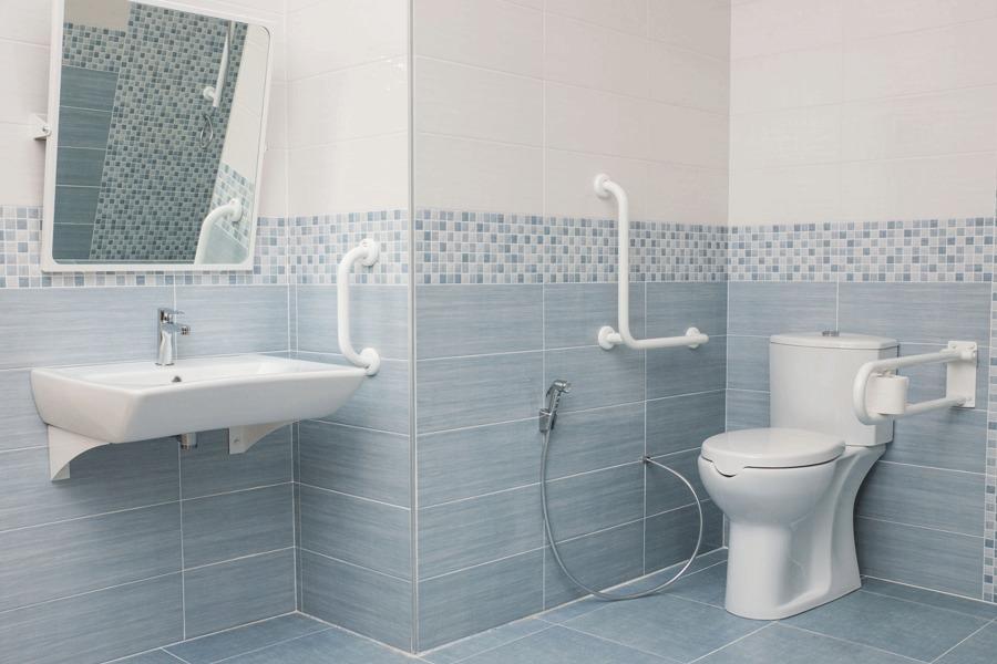 Bagni per anziani e disabili come eliminare le barriere for Arredo bagno per disabili